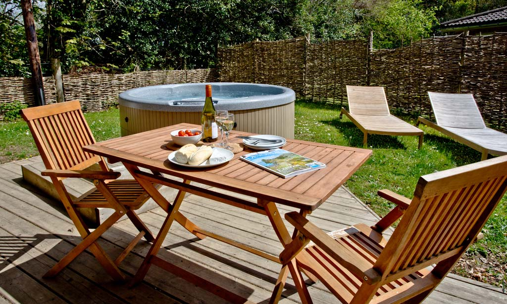 Holiday Cottages With Hot Tubs In County Borough Of Bridgend